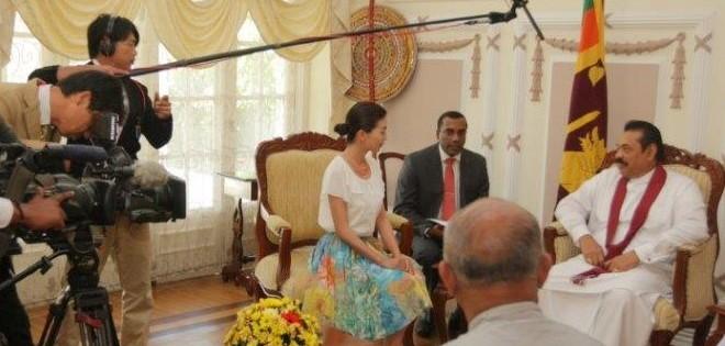 ミステリーハンター坂本三佳さんによる大統領インタビューの模様